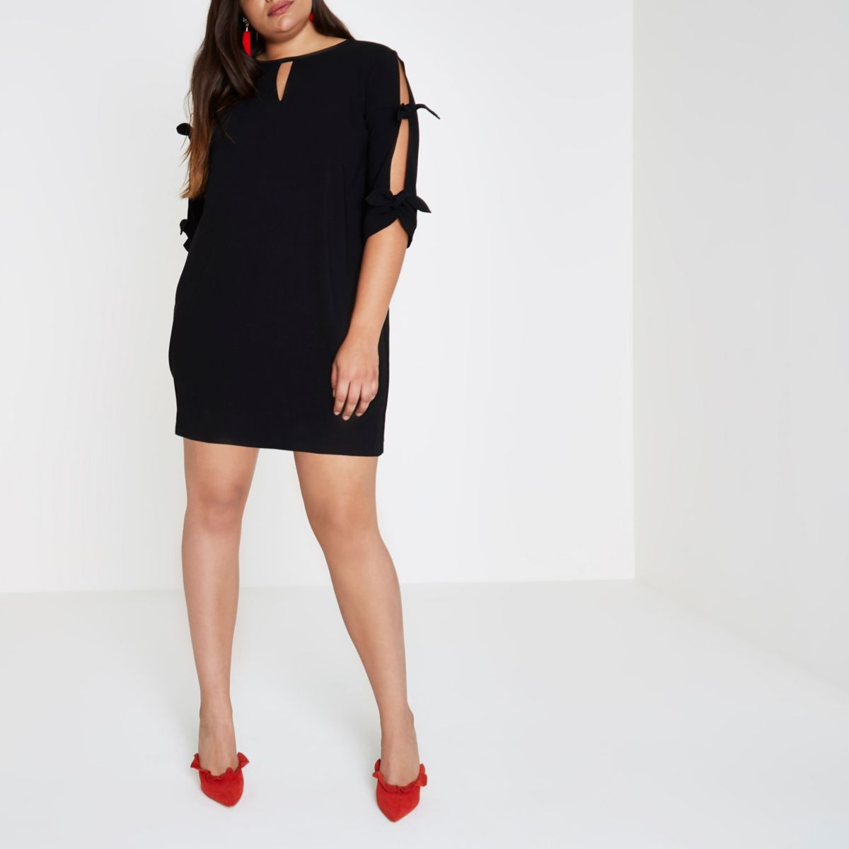 Plus black bow sleeve dress
