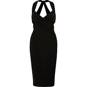 Zwarte aansluitende midi-jurk met overslag voor