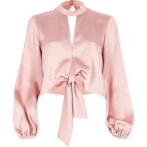 Pinkes Crop Top mit langen Ärmeln und Choker