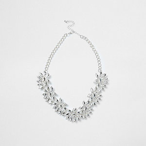 Silver tone floral jewel necklace