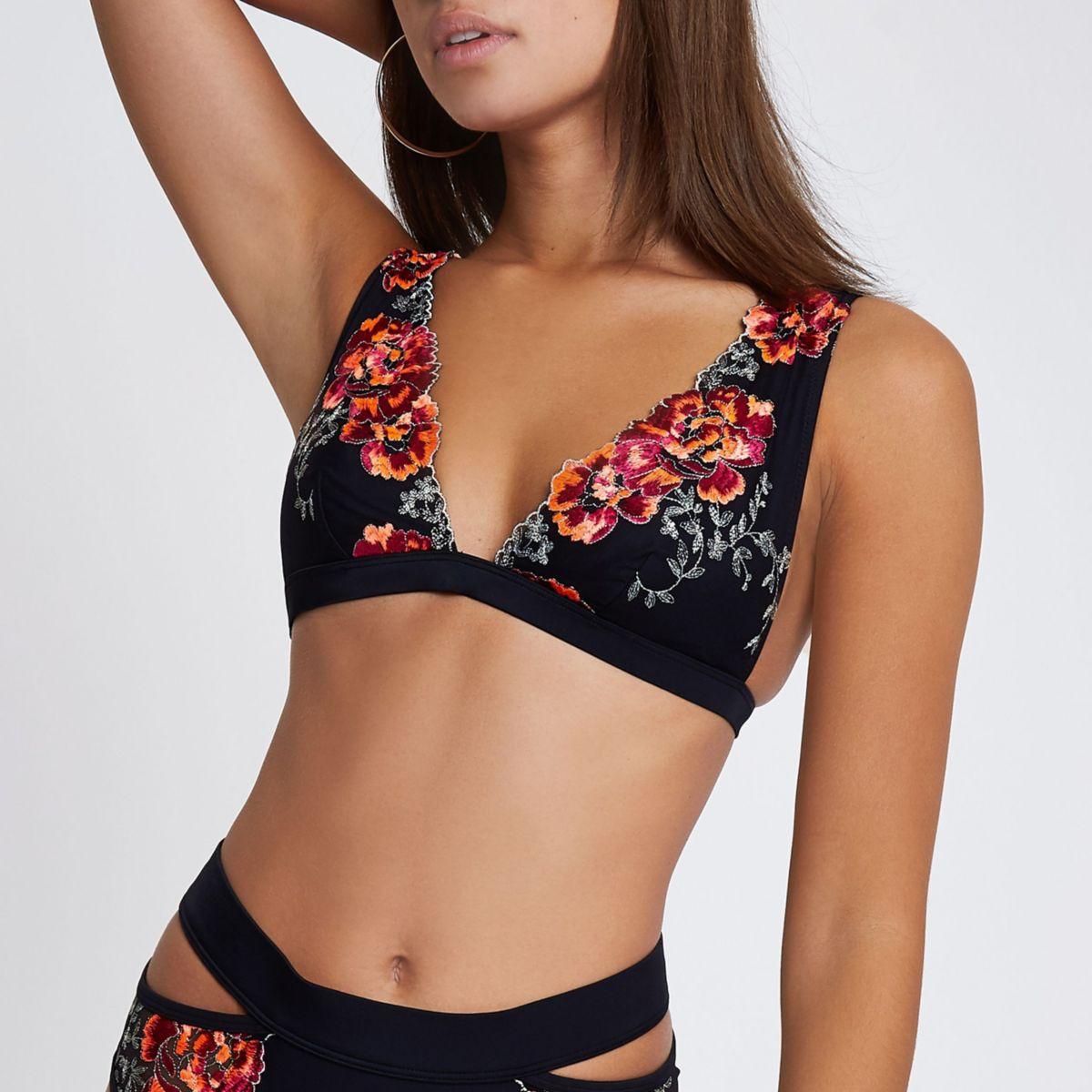top de bikini triangle noir orné de fleurs brodées
