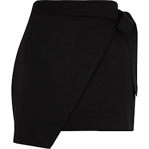 Black structured wrap front skort