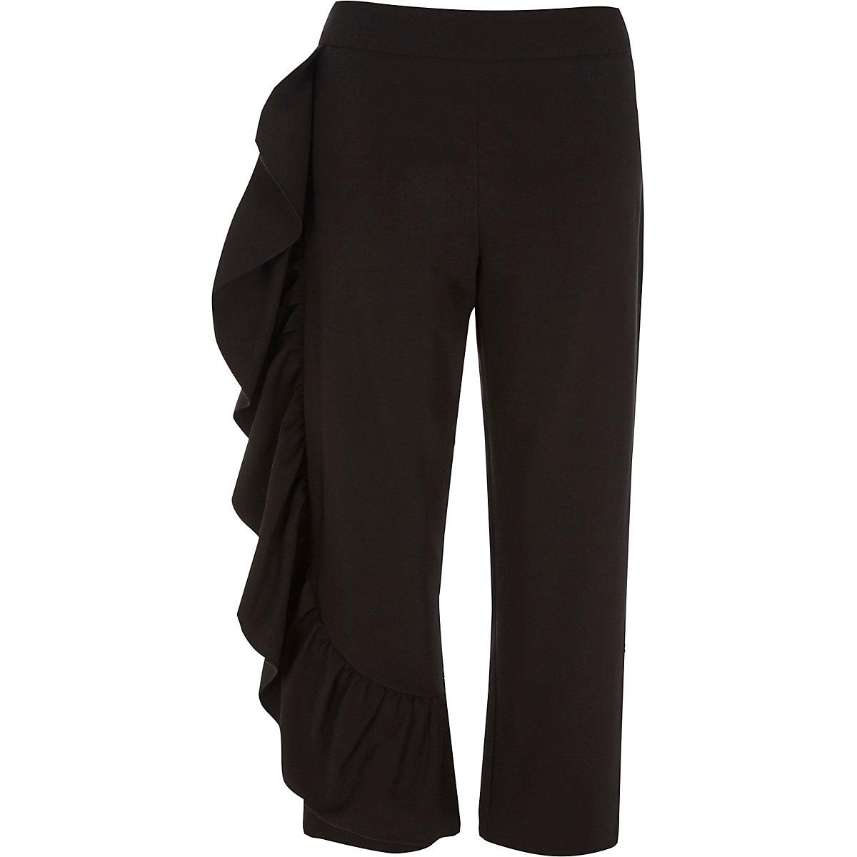 Pantalon court noir à volants