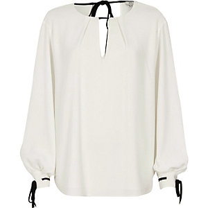 Cream puff sleeve tie detail top