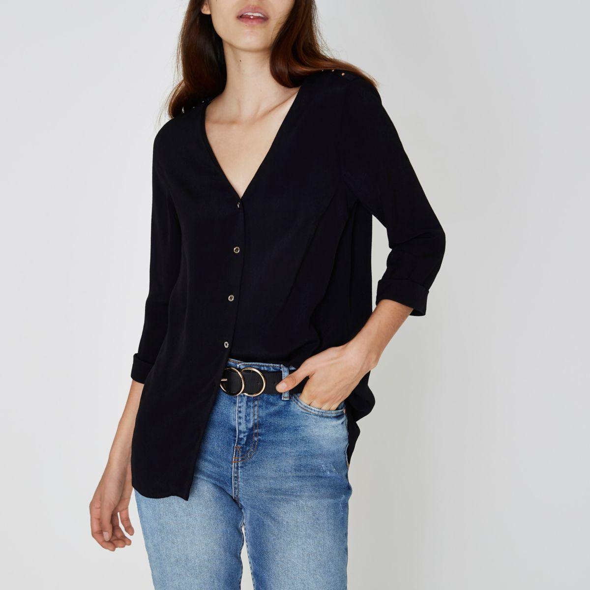 Zwarte blouse met knopen, gekruiste banden op de rug en V-hals