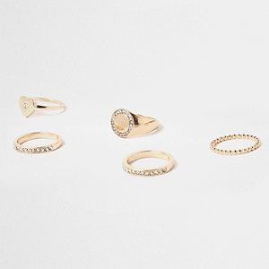 Set goudkleurige ringen bezet met strass