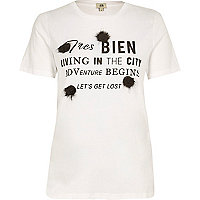 White 'tres bien' pom pom T-shirt