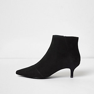 Black pointed kitten heel boots