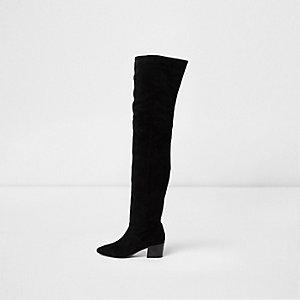 Schwarze Overknee-Stiefel mit Blockabsatz aus Wildleder