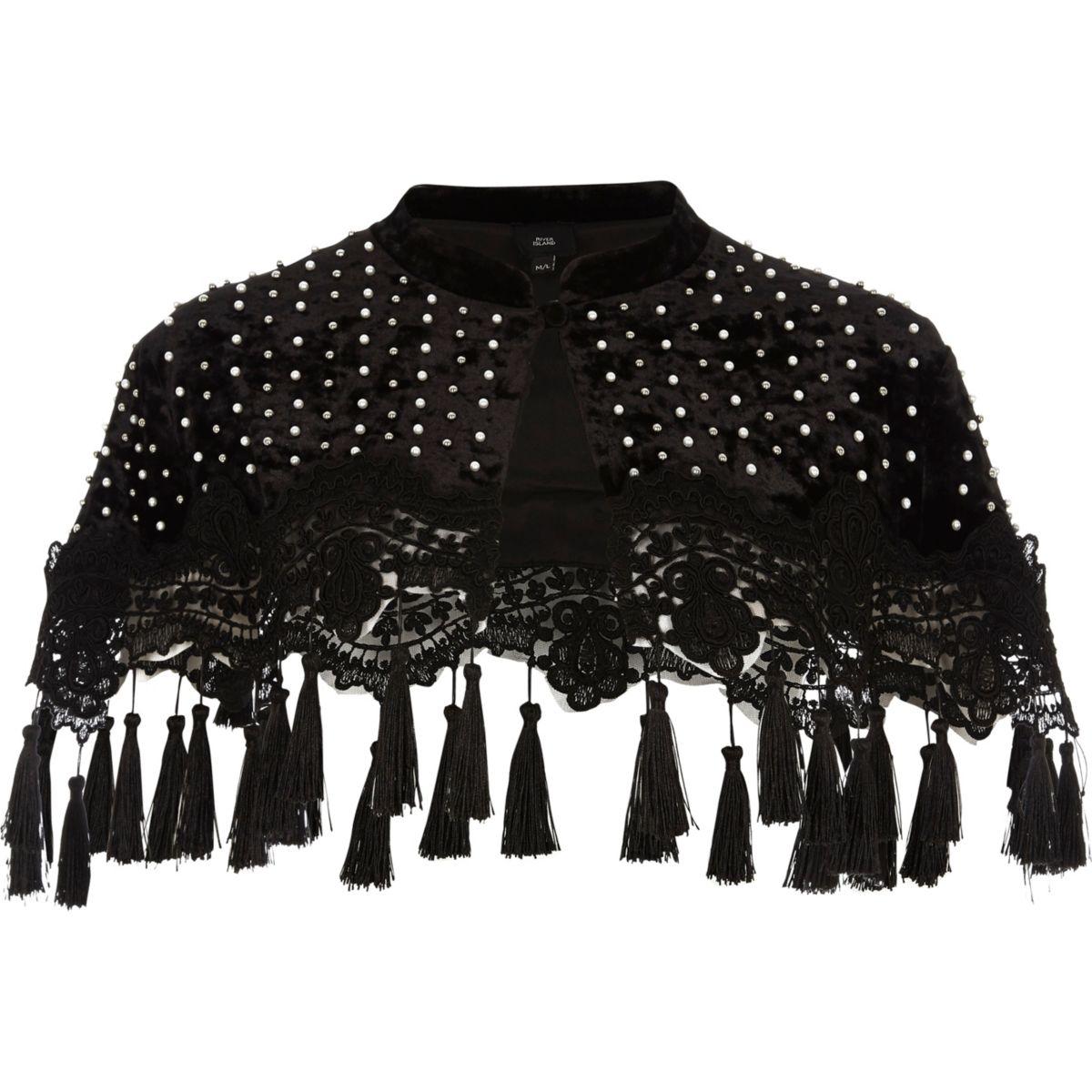 Cape en velours noire ornée de perles et de pampilles