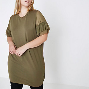 Plus – Oversized-T-Shirt in Khaki mit Rüschen