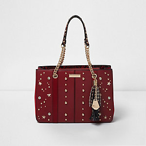 Red star studded chain tote bag