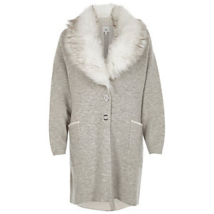 Grey faux fur collar knitted coat