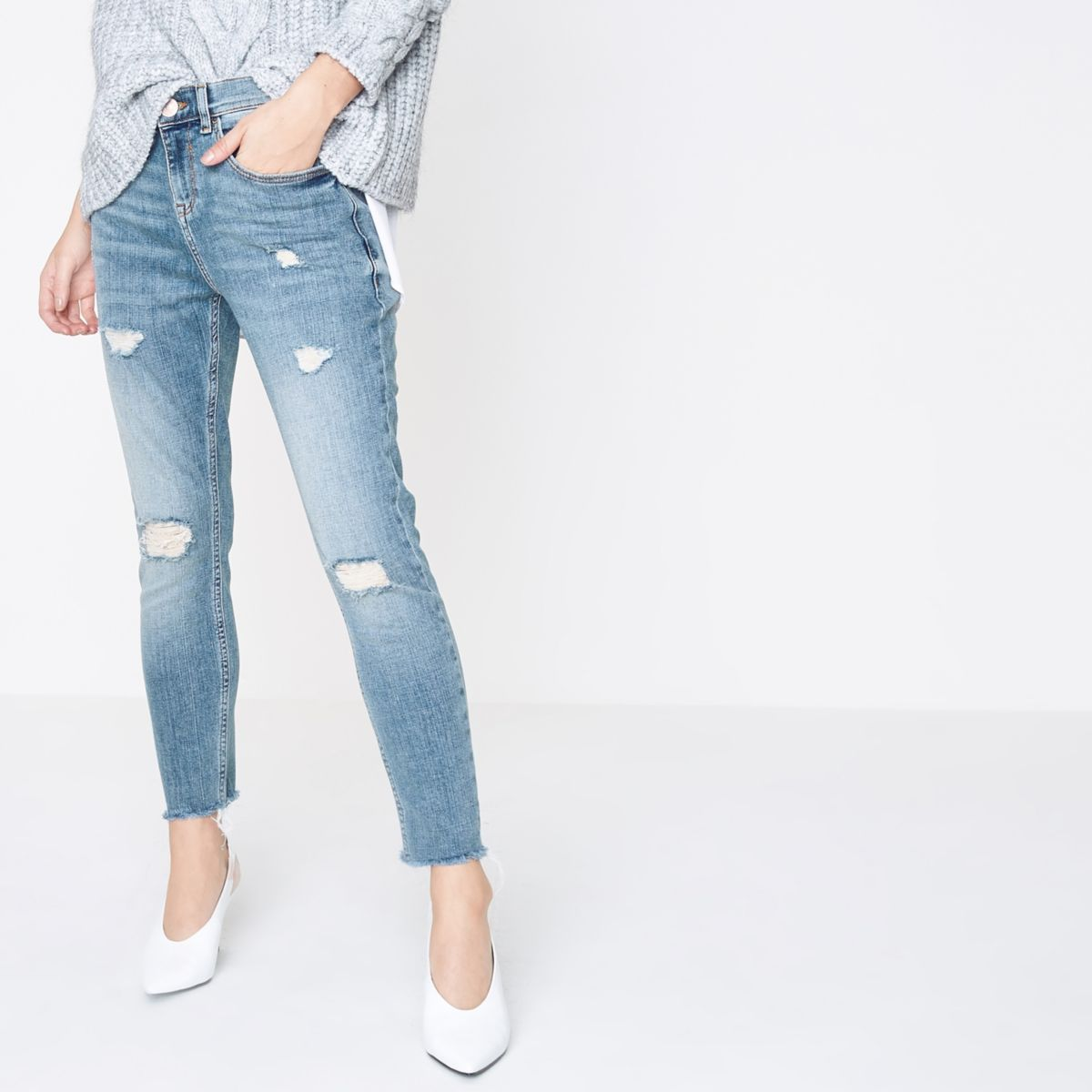 Petite blue rip Alannah relaxed skinny jeans
