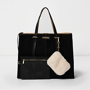 Black long handle faux fur pouch tote bag