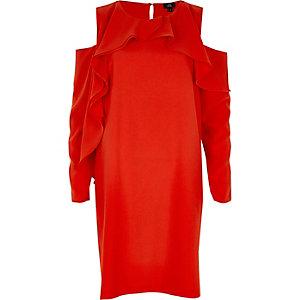 Robe évasée rouge à épaules dénudées et volant