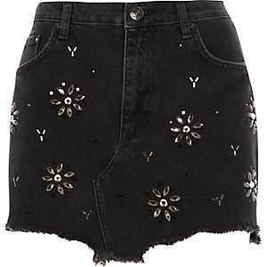 Black gem embellished frayed hem denim skirt