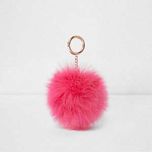 Roze sleutelhanger met pompon en veer