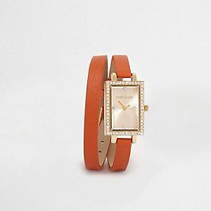 Montre rectangulaire orange à bracelet double tour