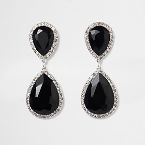 Zwarte oorhangers met traanvormige steen