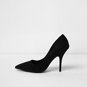 Black pointed toe court shoes