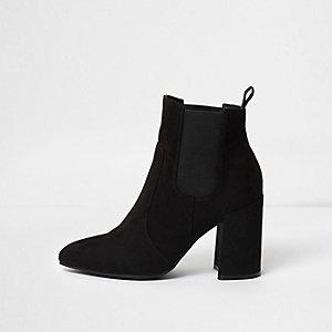 Schwarze, spitze Chelsea-Stiefel mit Blockabsatz