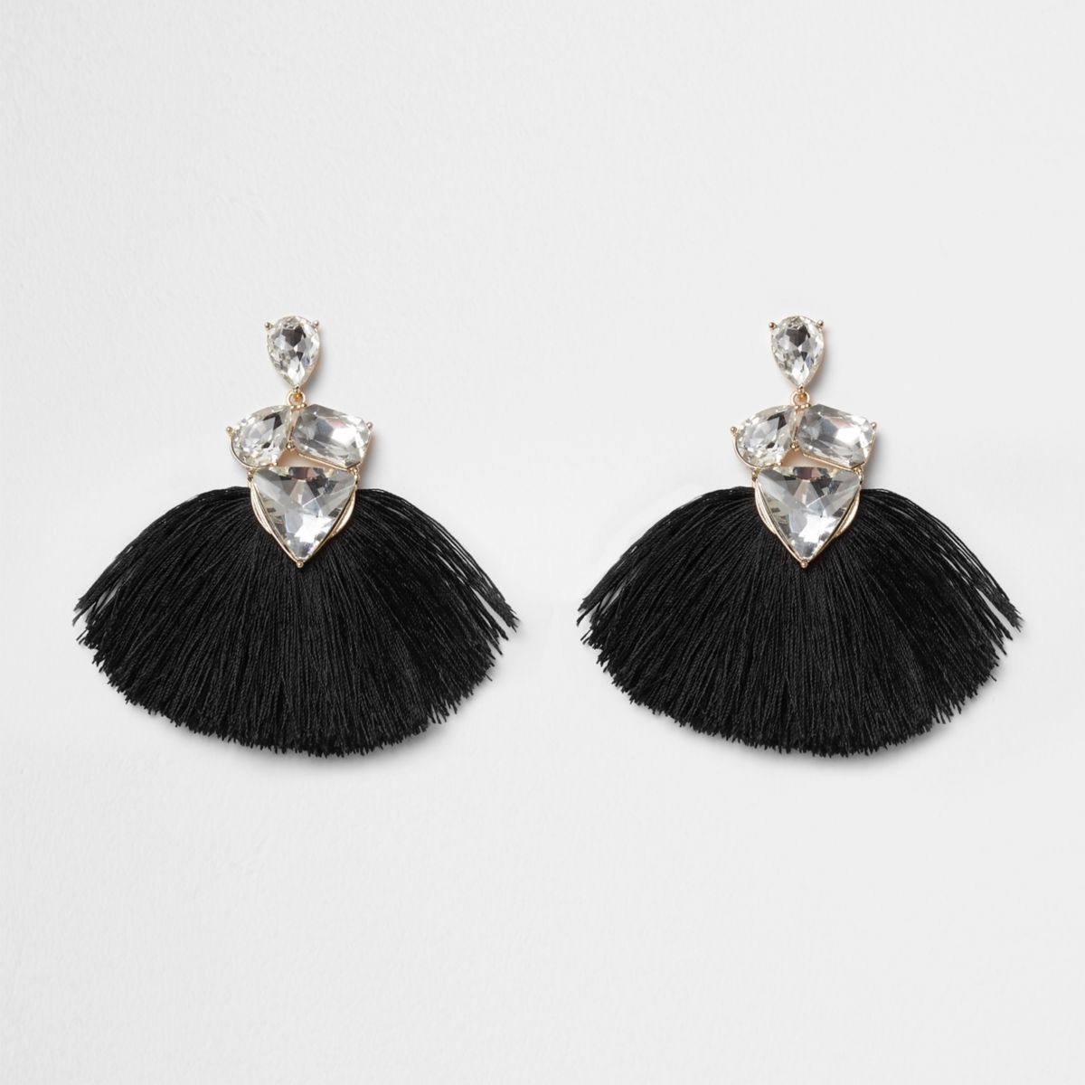 Black graduation tassels are ideal for any graduation ceremony. A feeling of pride in comes along with wearing these. A feeling that will remain with them as they continue forward in their education, or in their future employment, and look back on their experiences at your institution.