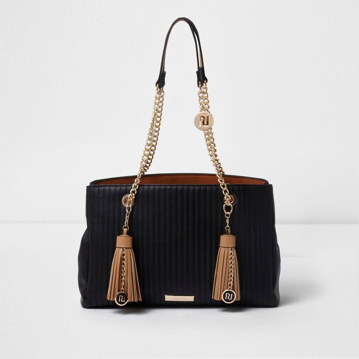 Zwarte gewatteerde handtas met ketting en kwastje