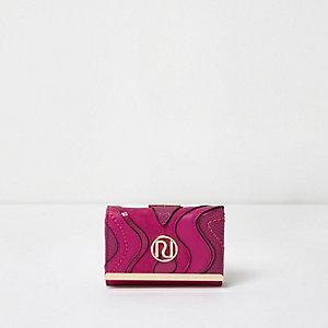 Roze mini portemonnee met druksluiting en golvend paneel
