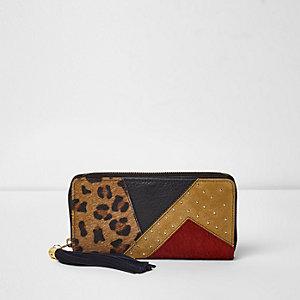Red color block leopard print purse