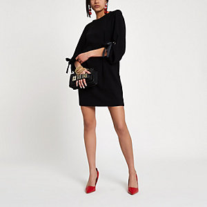 Black balloon tie sleeve swing dress