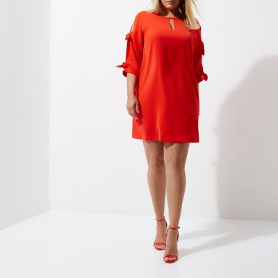 River Island RI Plus - Rode jurk met strik aan de mouwen