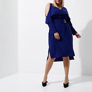 Plus – Blaues Midikleid mit Gürtel und Schulterausschnitten