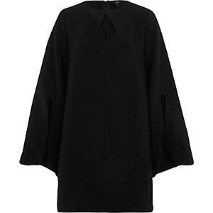 Robe évasée noire à manches longues fendues