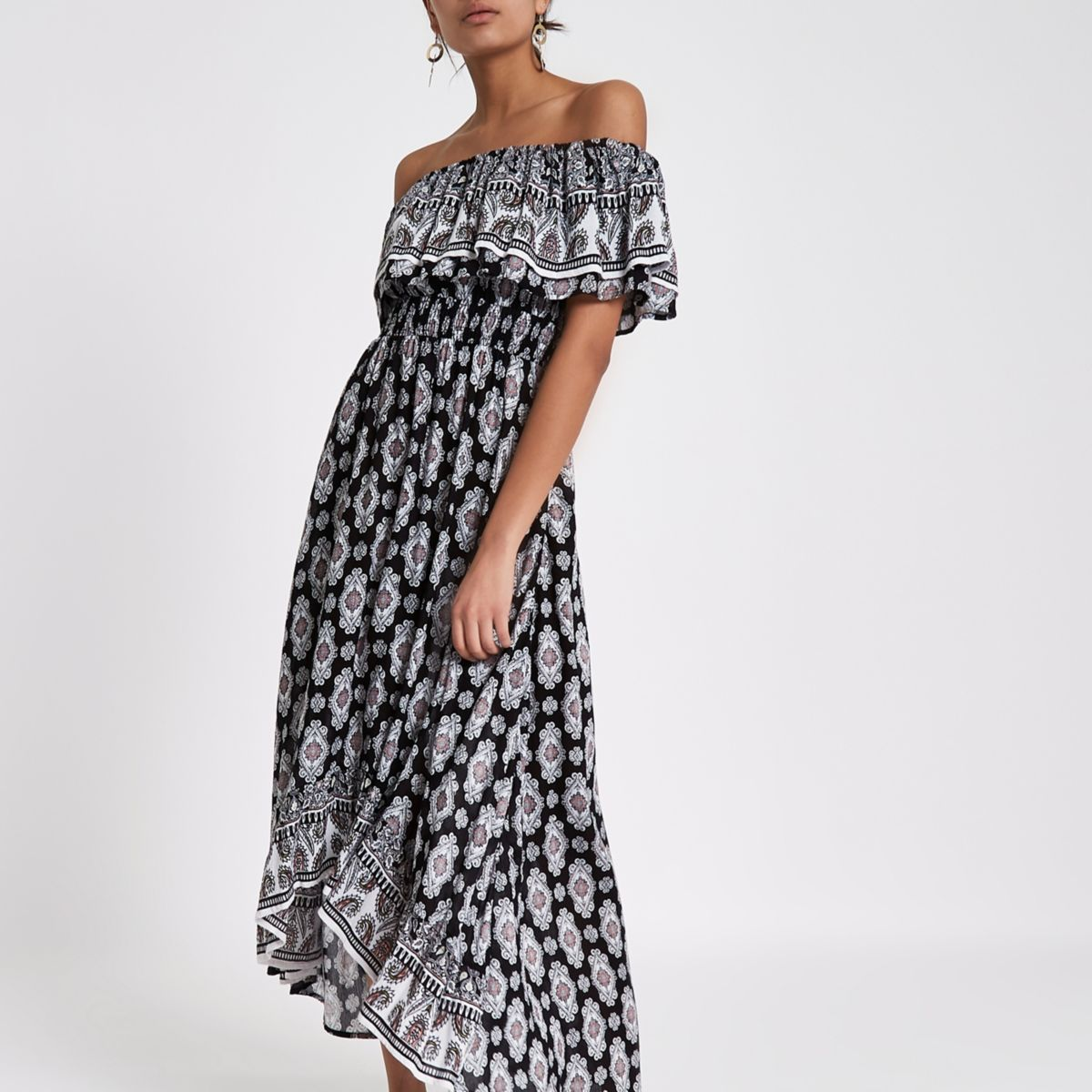 Black tile print high low hem maxi dress