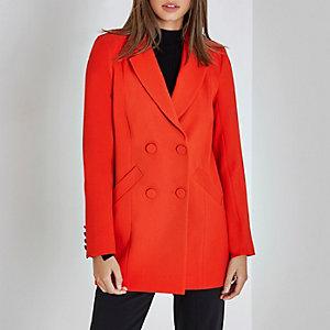 Rote, zweireihige Jacke