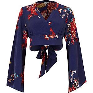 Paarse gebloemde cropped blouse met overslag