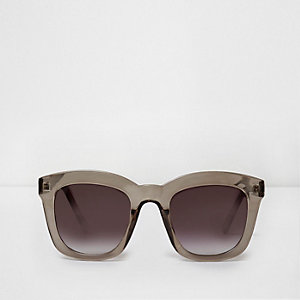 Dark grey oversized glam smoke sunglasses