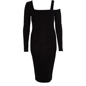 Robe moulante noire asymétrique à manche longue