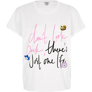 Wit T-shirt met 'Don't look back'-priint en 3D bloem