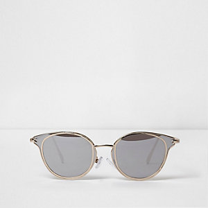 Gold tone trim cat eye sunglasses