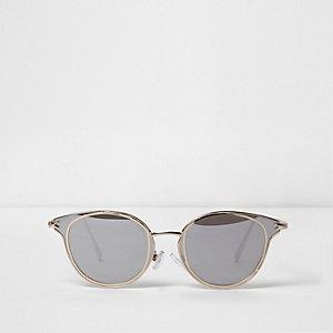 Gold tone trim cat eye sunglasses