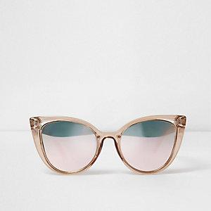 Beige plastic zonnebril met uitsneden en spiegelglazen