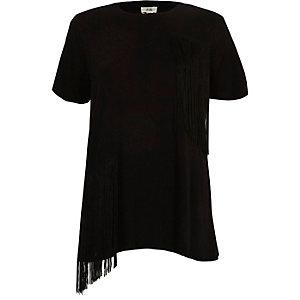 T-shirt noir à manches courtes et franges