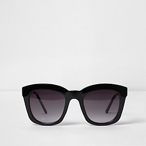 Black oversized glam smoke lens sunglasses