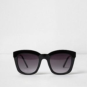 Black oversized glam smoke lens sunglasses