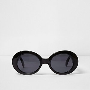 Black oval smoke lens sunglasses