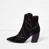 Black cutabout western heel ankle boots