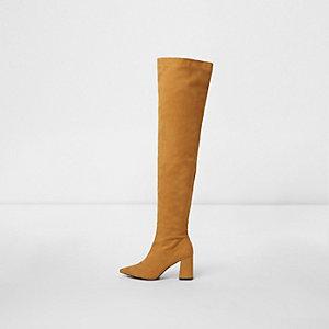 Gele over-de-knie-laarzen met puntige teen