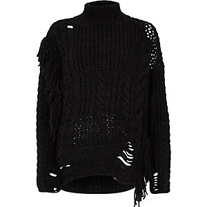 Zwarte gebreide pullover met kabelmotief, franje en mix van steken
